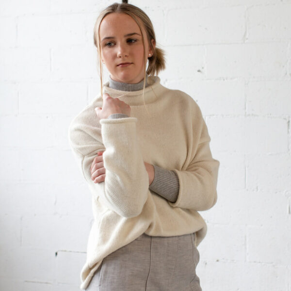 Alpaca wool knit mid cream sweater