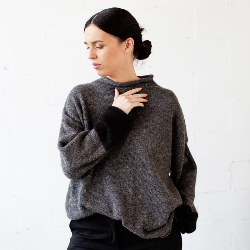 Alpaca wool knit mid grey and black jumper